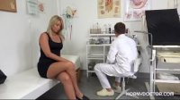 Nikky Dream came to the gynecologist to check the cunt for performance