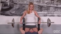 Fitness slut Nikky Dream ends up with no panties in the gym and gets fucked in the head