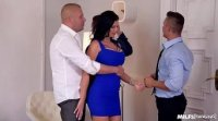Milf Jasmine Jae fucking in a hotel room with three studs, she does whatever they want